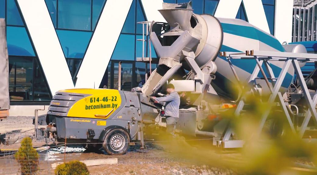 A SkyWay húrsínek betonnal történő kiöntése